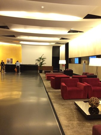 Sheraton Milan Malpensa Airport Hotel & Conference Centre: big and clean Lobby