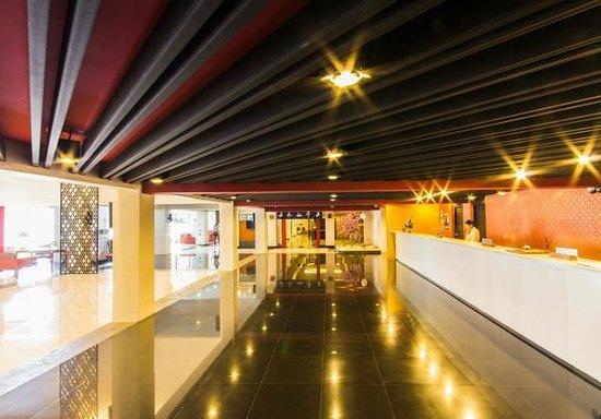 Chiangmai Hill 2000 Hotel: Lobby