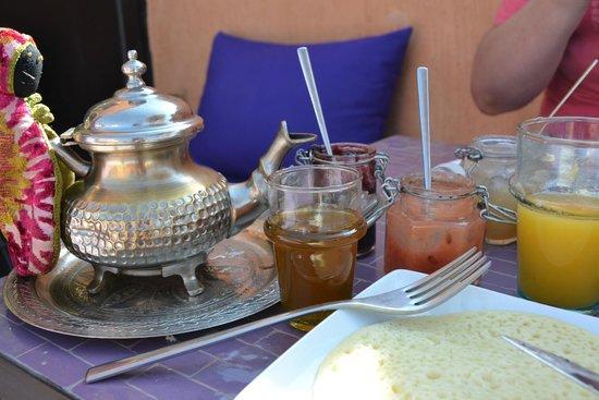 Riad Houdou : Le petit déjeuner.  Que du frais, faiti maison