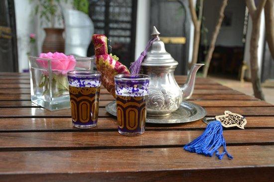 Riad Houdou : Un bon thé à la menthe au retour de nos promenades