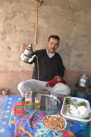 Riad Houdou : Excursion à Imlil, le thé à la menthe berbère
