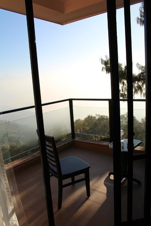 Club Himalaya by ACE Hotels : Balcony seating area