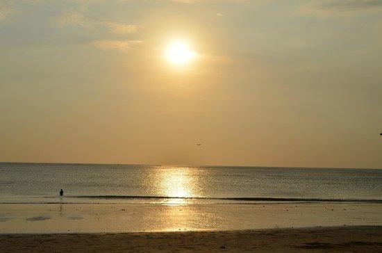 Villa Puri Royan : Sonnenuntergang am Strand