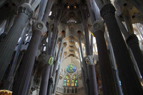 Basílica de la Sagrada Familia: Внутри собора