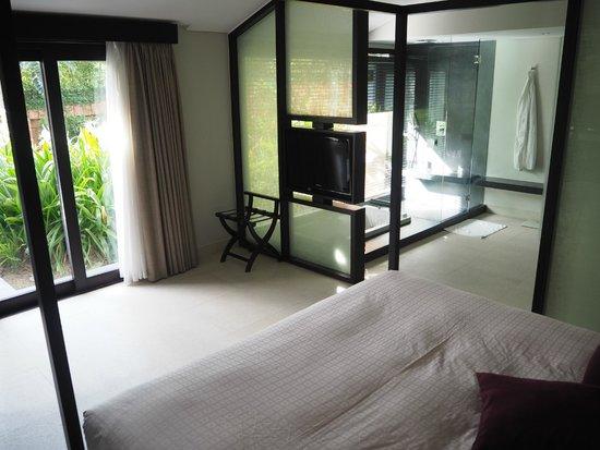 Fusion Maia Da Nang : Main bedroom in spa villa.