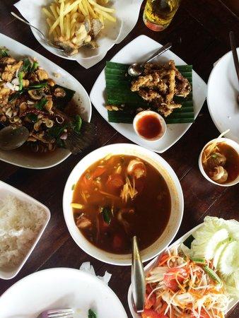 Kin Dee Restaurant: Lunch! :)