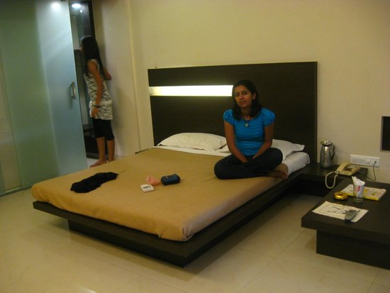 Silver Sands Beach Resort Daman: Room