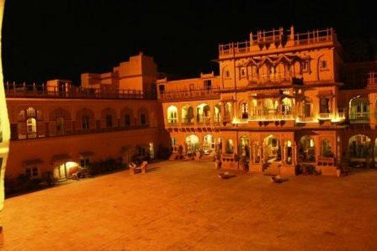 Chomu Palace Hotel: wonderful hotel