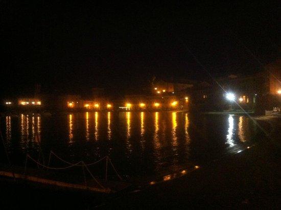 Bay of Silence: baia di notte