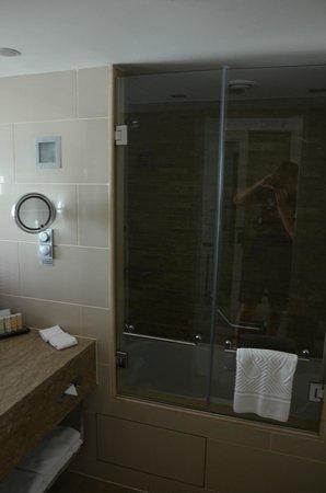 Radisson Blu Bosphorus Hotel, Istanbul: второй номер (в котором гудел вентилятор)