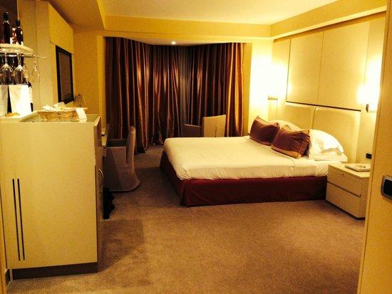 Port Palace Hotel : Room