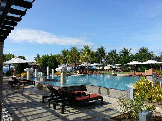 Crimson Resort and Spa, Mactan: Pool area (water polo, and children's pool 1m depth)