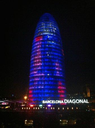 Novotel Barcelona City : .. und bei Nacht