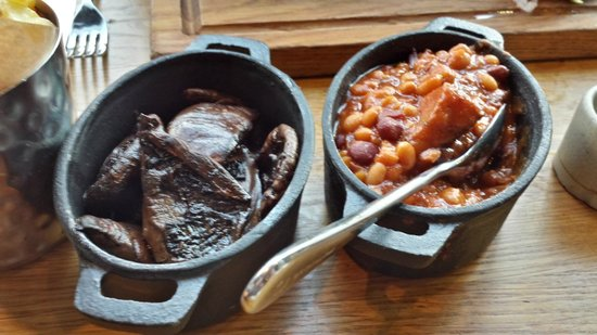 Barbecoa : Sides of Mushrooms and BBQ'd Baked Beans and burnt ends.