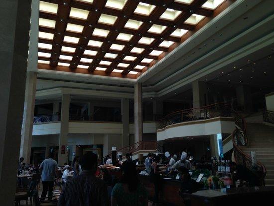 JW Marriott Mumbai Juhu : Indoor area