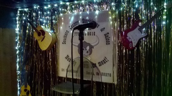 Southern Country Steakhouse An: Karaoke stage