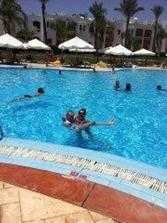 SunConnect Sunrise Diamond Resort: купаемся