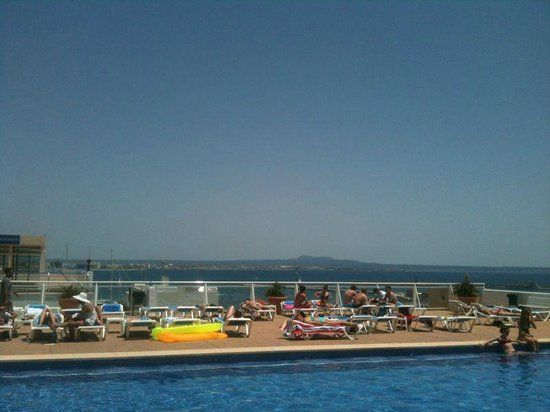 Hotel Amic Horizonte: Pool area