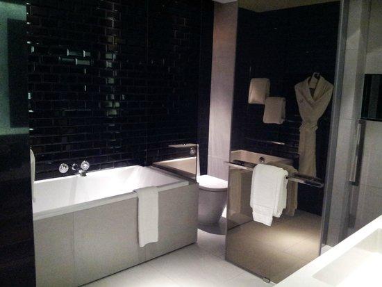 W Bangkok: Perfect bathroom
