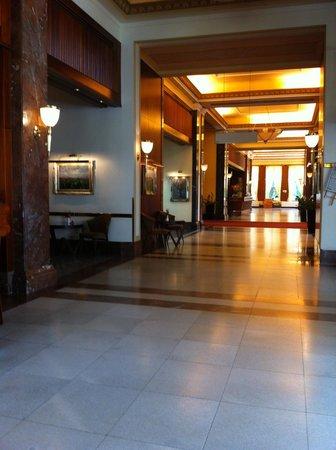 Hotel International Prague: lobby Crowne Plaza