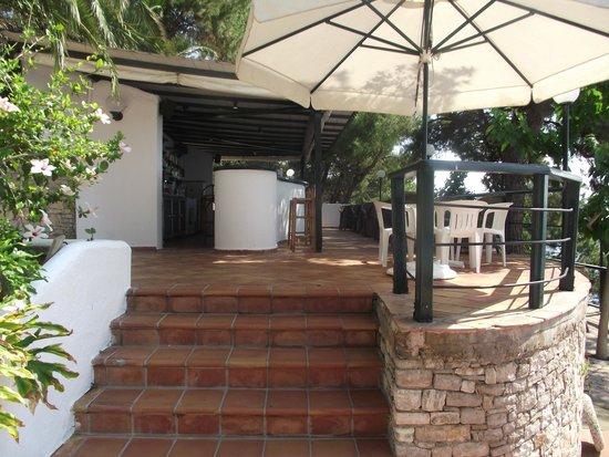 Paradise Hotel - Alonissos: The Pool Bar