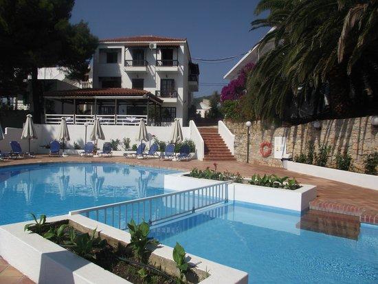 Paradise Hotel - Alonissos: The Hotel