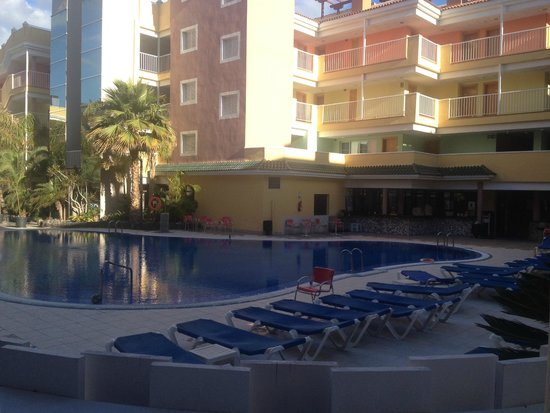 Hotel Costa Caleta : Poolside