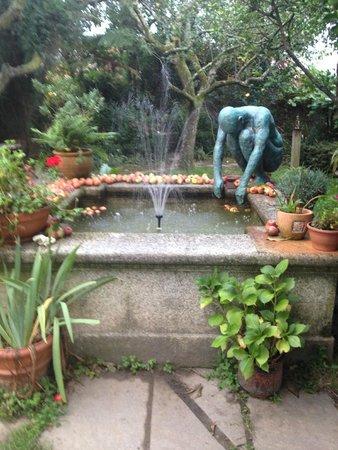 Costa Vella Hotel: Cafe / Garden