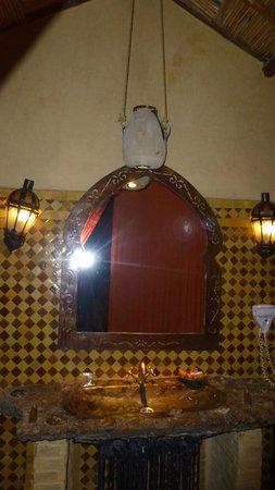 Kasbah Hotel Xaluca Arfoud: Baño