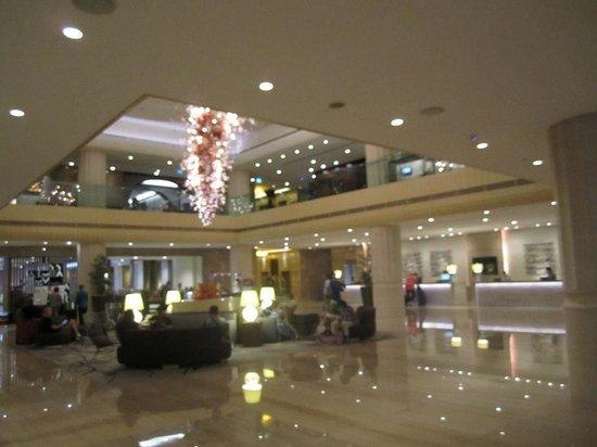 Carlton Hotel Singapore: lobby