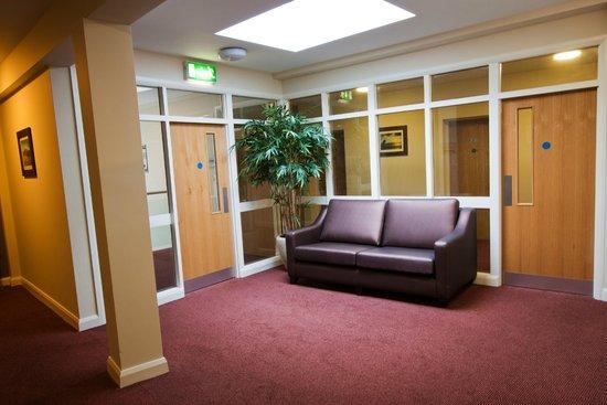Strandhill Lodge and Suites Hotel: Common Area 1st Floor