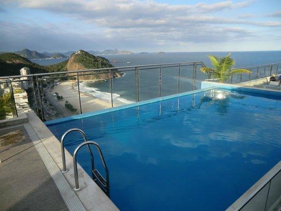 Hilton Rio de Janeiro Copacabana: Pool on 39th floor