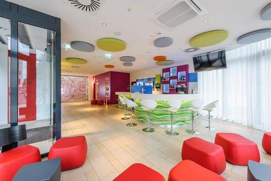 Ibis Styles Hildesheim: Hotelbar / Lobby