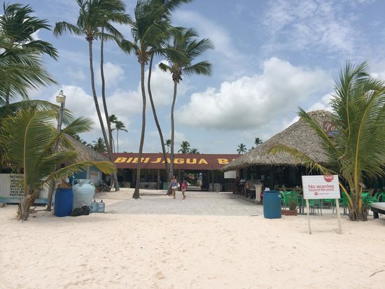 IFA Villas Bavaro Resort & Spa: Restaurant in front of beach and in the artisans plaza bibijagua