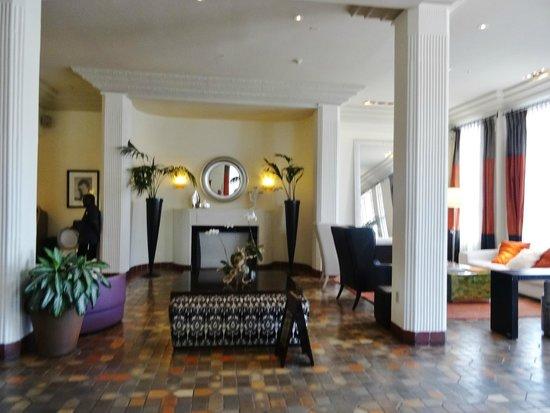 The Savoy Hotel: hall d' entrée