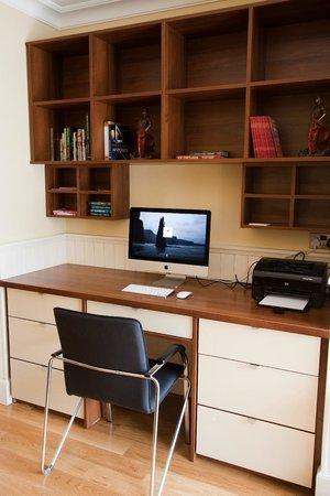 Strandhill Lodge and Suites Hotel: IMAC Work Desk
