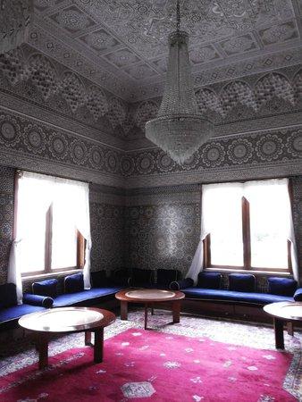 Atlas les Almohades Tanger: Uno de los saloncitos que tiene