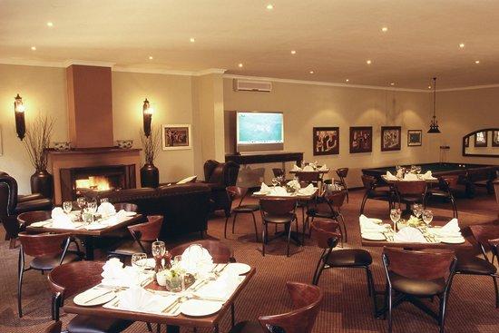 Valley Lodge & Spa: Maloneys bar