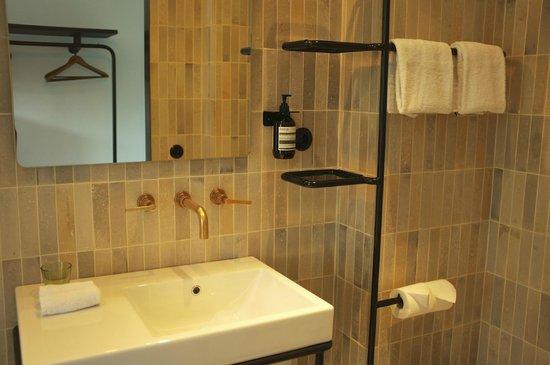 Stout & Co. Amsterdam: Bathroom