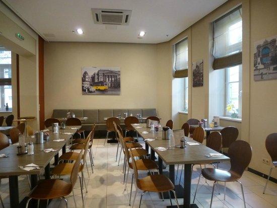Bo18 Hotel Superior: Zona para desayunar