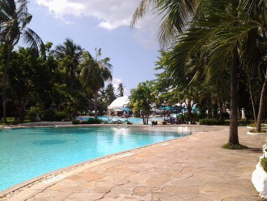 Southern Palms Beach Resort: pool