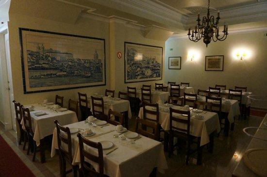 Hotel Dom Sancho I : Breakfast diningroom