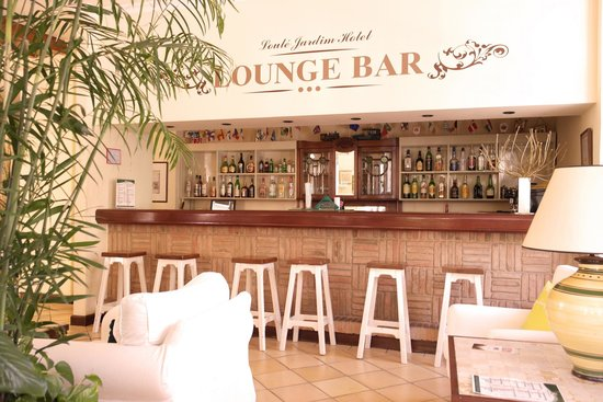 Loule Jardim Hotel : Bar