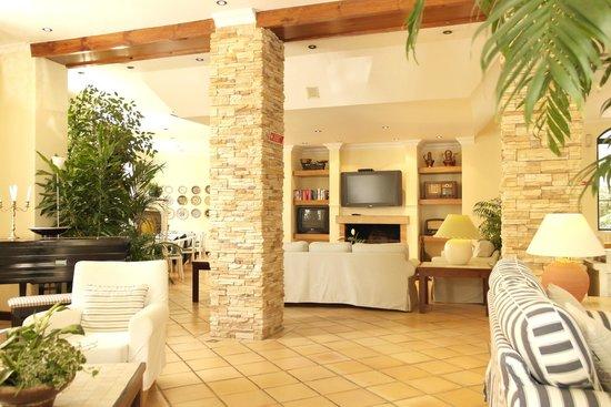 Loule Jardim Hotel: Lobby