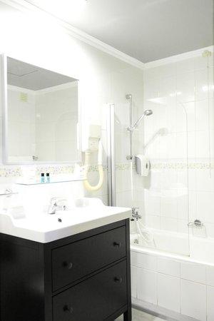 Loule Jardim Hotel : Bathroom