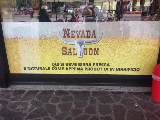 ‪Nevada saloon‬