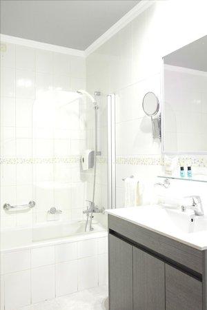 Loule Jardim Hotel: Bathroom