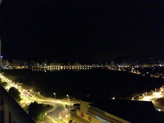 AR Diamante Beach SPA Hotel & Convention Centre: Vista de noche