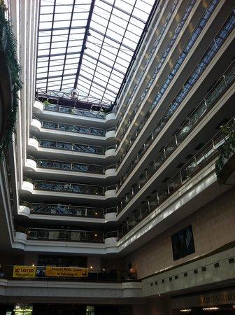 Maritim Hotel Magdeburg: Maritim, view from lobby