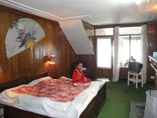 Darjeeling Planters Club : Room No 4